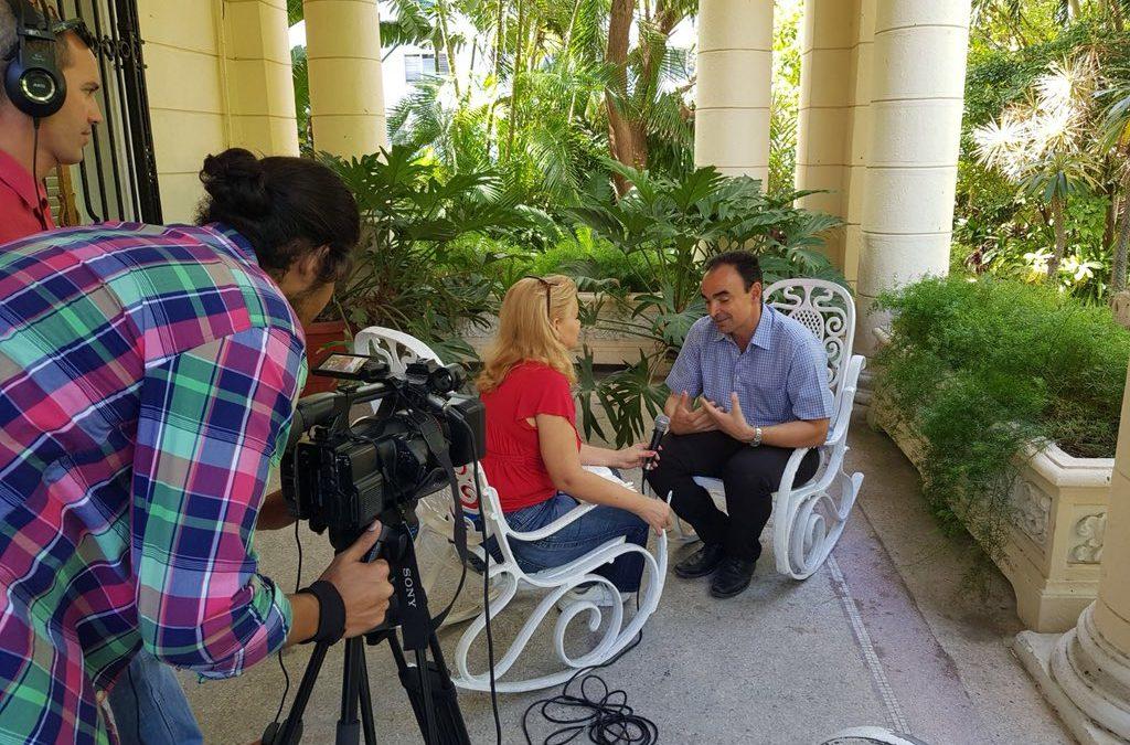 Entrevista para la Televisión Cubana